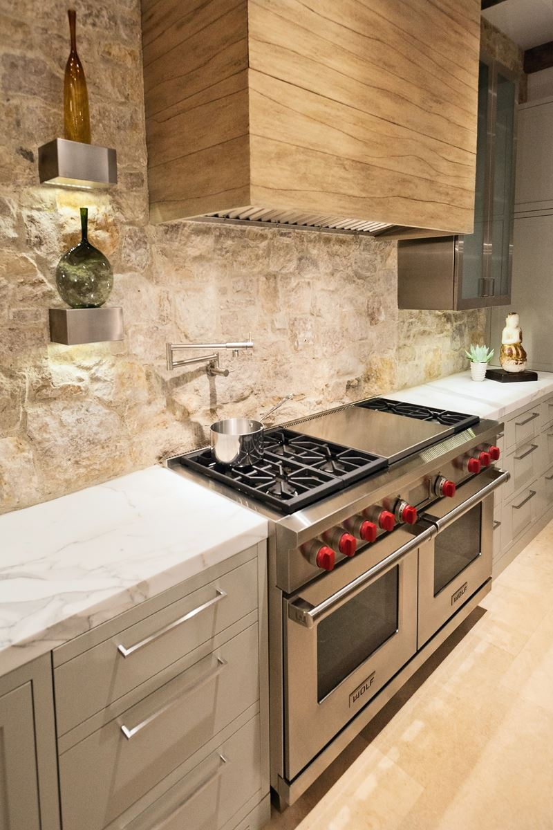 Canyon creek sub zero wolf and cove kitchens for Kitchen in the canyon