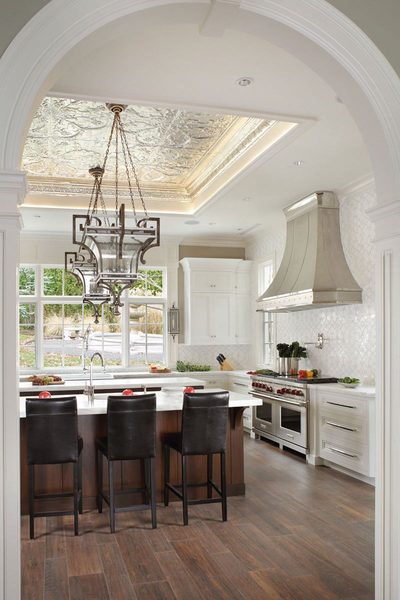 Transitional Elegance | Sub-Zero, Wolf, and Cove Kitchens