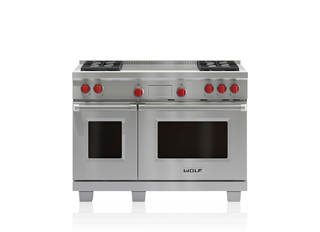 "Wolf 48"" Dual Fuel Range - 4 Burners and French Top DF484F"
