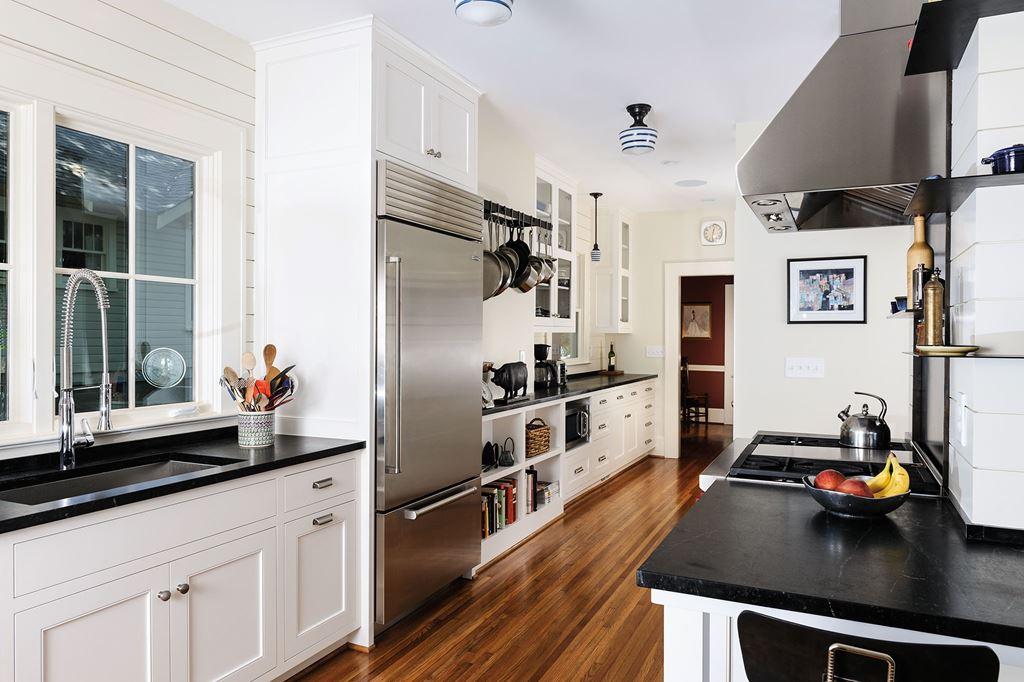 A Kitchen That Fits Sub Zero Wolf Et Cove Kitchens